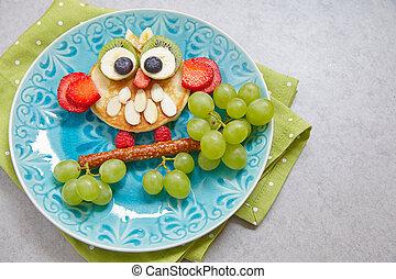 Owl pancake for kids breakfast