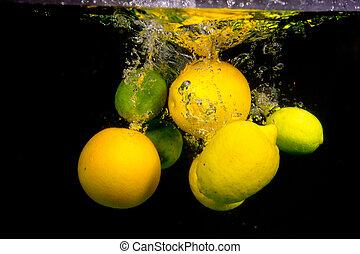 owoc, spadanie, do, przedimek określony przed rzeczownikami, woda
