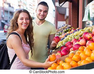 owoce, szczęśliwa para, zrywanie