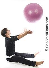 owocnia, trening, kobieta, wykonując, piłka, stosowność, używając