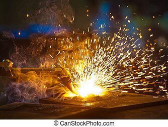 oxy-cutting, en, un, acero, fabricación, taller
