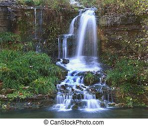 Ozark waterfall - Waterfall in Missouri Ozarks