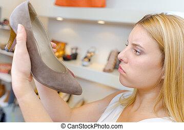 Cipők, márka, birtok, pár, új, cipész. Wooden asztal, csizma