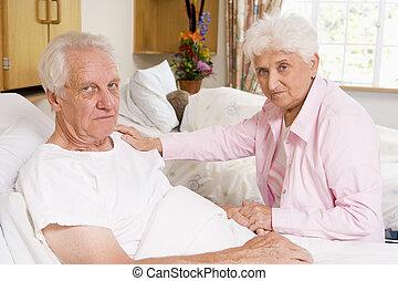 párosít, ülés, kórház, súlyos, idősebb ember, látszó