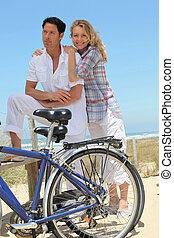 párosít, bringák, tengerpart