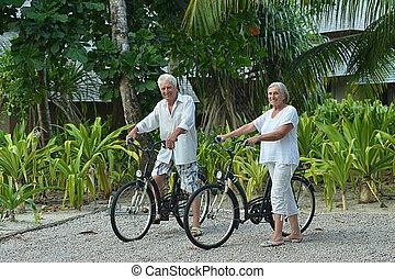 párosít, idősebb ember, bicycles