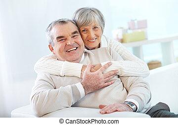 párosít, idősebb ember