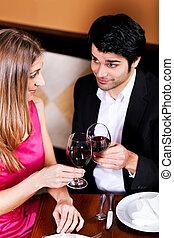 párosít, ivás, vörös bor, csörgés pohár