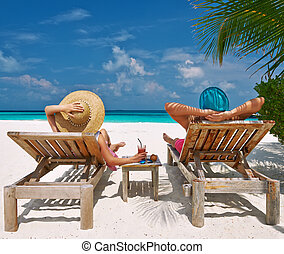 párosít, képben látható, egy, tengerpart, -ban, maldívok