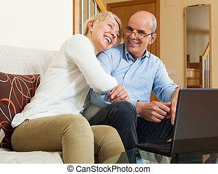 párosít, laptop, boldog, érett