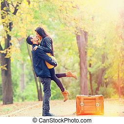 párosít, noha, bőrönd, csókolózás, -ban, fasor, a parkban