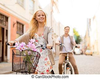 párosít, noha, bicycles, a városban