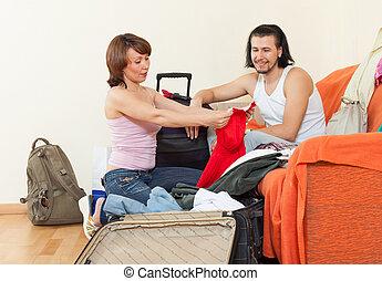 párosít, noha, poggyász, alatt, otthon, folytatódik holiday