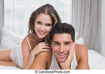 párosít, otthon, ágy, romantikus, fiatal