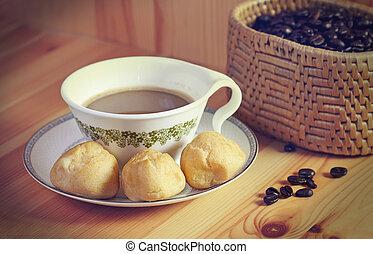 pão doce, com, café, ligado, a, madeira