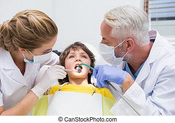 pädiatrisch, untersuchen, zahnarzt