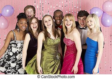 påklædt, teenage, kammerater, gruppe, prom