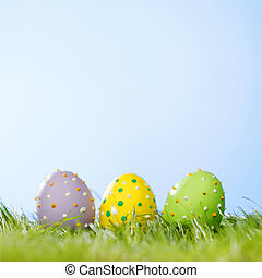 påsk eggar, in, gräs