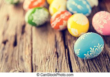 påsk eggar, på, trä, bakgrund