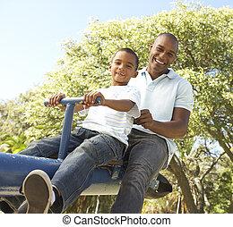père, bascule, parc, équitation, fils