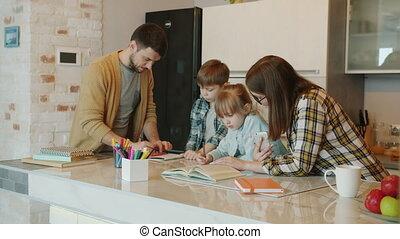 père, devoirs, ensemble, mère, enfants, maison, portion, ...