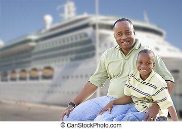 père, fils, croisière, devant, bateau, heureux