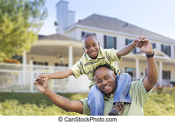 père, fils, espiègle, américain, africaine, devant, maison