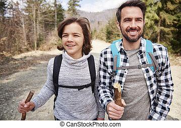 père, fils, randonnée, montagnes