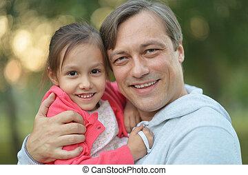 père, peu, sien, fille, étreindre