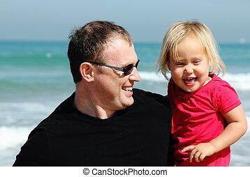 père, plage, fille, portrait