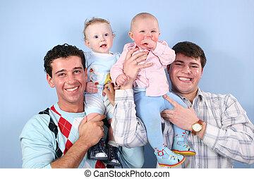 pères, épaules, bébés