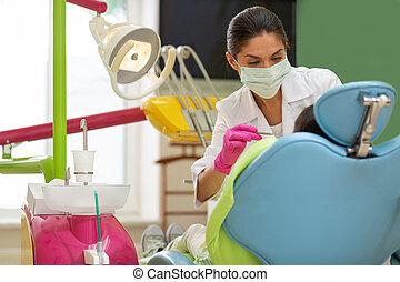 pé feminino, dental, odontólogo, broca, sério