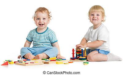pédagogique, gosses, deux, logique, jouets, jouer, heureux