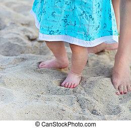 pés, bebê, praia, mãe