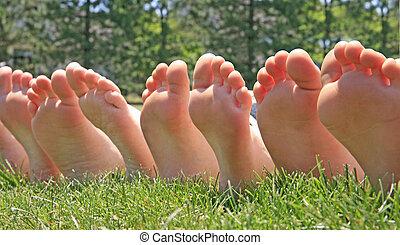 pés, fila