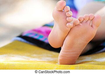 pés, praia