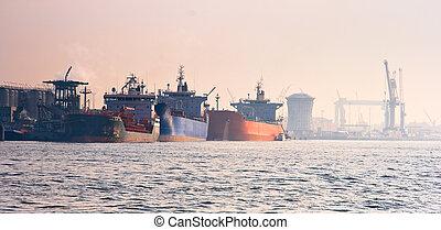 pétroliers, port