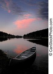 pôr do sol, brilho, em, a, lago