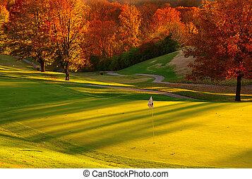 pôr do sol, em, a, campo golfe