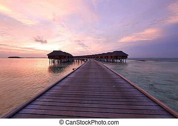 pôr do sol, em, maldivian, praia