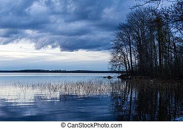 pôr do sol, em, vuoksa, lago