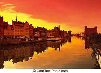 pôr do sol, gdansk