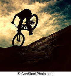 pôr do sol, homem, silueta, muontain-bike