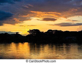 pôr do sol, ligado, a, river.