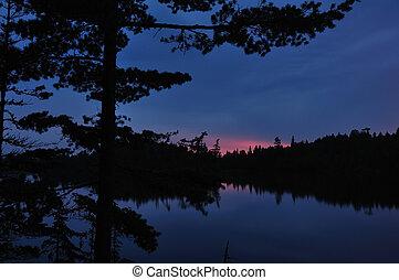 pôr do sol, ligado, um, remoto, selva, lago