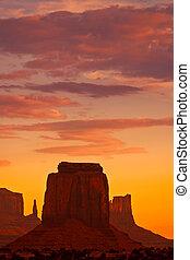 pôr do sol, monumento
