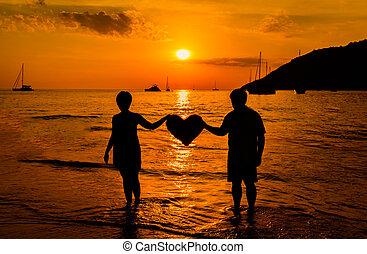 pôr do sol, par, praia, silueta