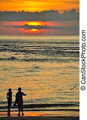 pôr do sol, praia