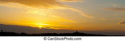 pôr do sol, sobre, a, cipreste, avenida, tuscany, itália