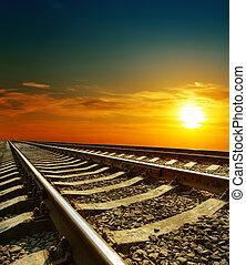 pôr do sol, sobre, ferrovia